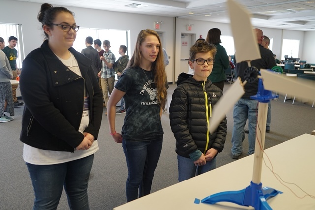 Lewis County Students Compete in Wind Blade Challenge