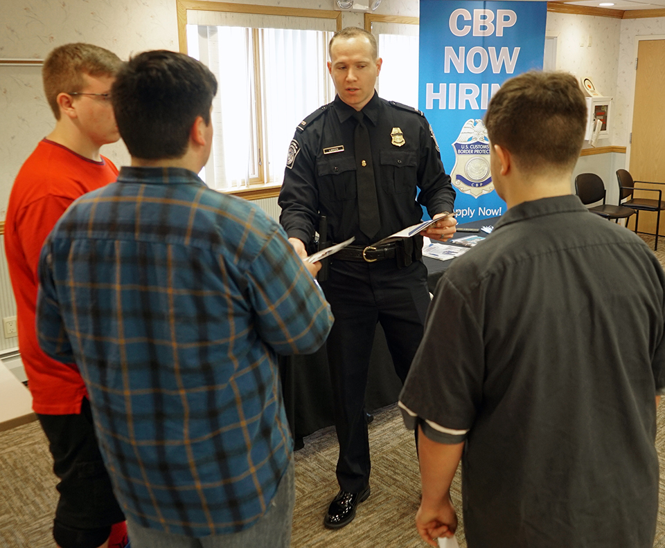students meet with U.S. Border Patrol